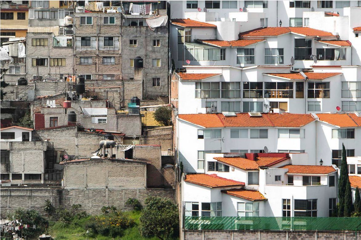Extreme wealth next to the very poor – inequality in Mexico City's Santa Fe neighbourhood (Johnny Miller/Unequal Scenes)